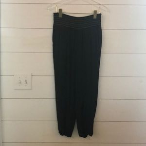 Cropped jogger style pant